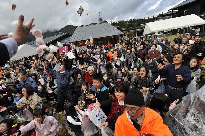【入選】青木義雄「祭りの日」